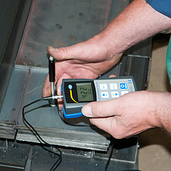 PCE Instruments PCE-900 Portable Metal Hardness Tester incl. ISO Calibration Certificate